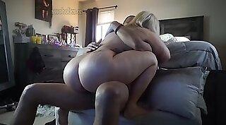 Teens Like It Big - Eveline Canning her Ass