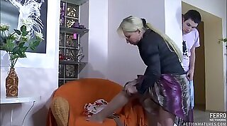 Analized Russian older woman sits on her guy